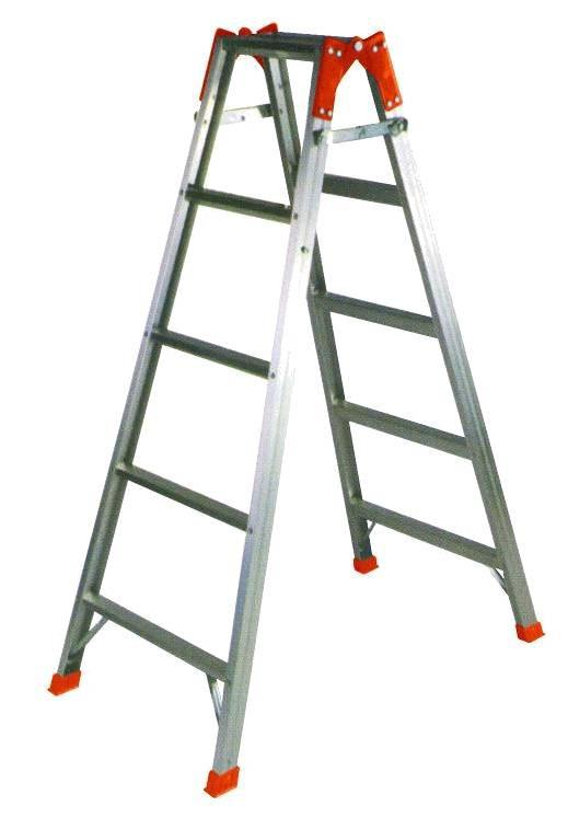 Стремянка из двух лестниц 95